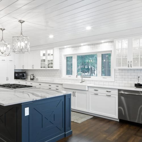 Interior Design by Birdseye Custom Woodwork Inc seen at Private Residence, Muskoka - Kitchen Design