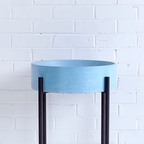 Warrington & Rose - Tables and Furniture