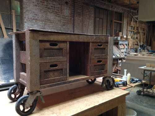 Tables by Jon Richey Woodworking seen at Private Residence, Memphis - Rolling Cart Table