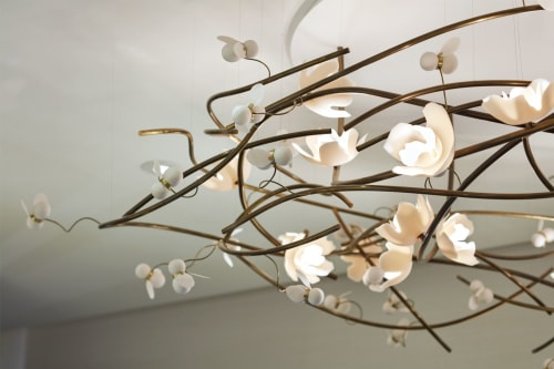 Chandeliers by Alissa Coe Studio seen at Spa at Four Seasons Toronto, Toronto - Bee and Flower Chandelier