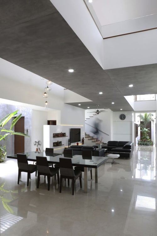 Interior Design by Spacefiction Studio seen at Private Residence, Hyderabad - The Bridge House