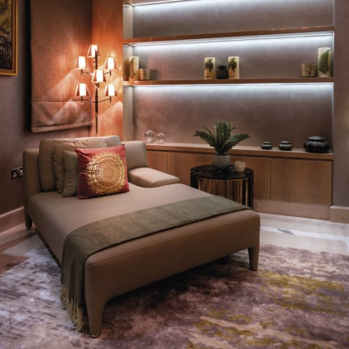 Beds & Accessories by Il Loft seen at Private Residence, Dubai - Villa Karan