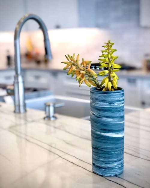 Vases & Vessels by Quinspired Ceramics seen at Private Residence, Scottsdale - MIZU Vase