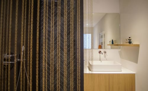 Interior Design by Alexandra Izeboud Design seen at Private Residence, The Hague - Bathroom