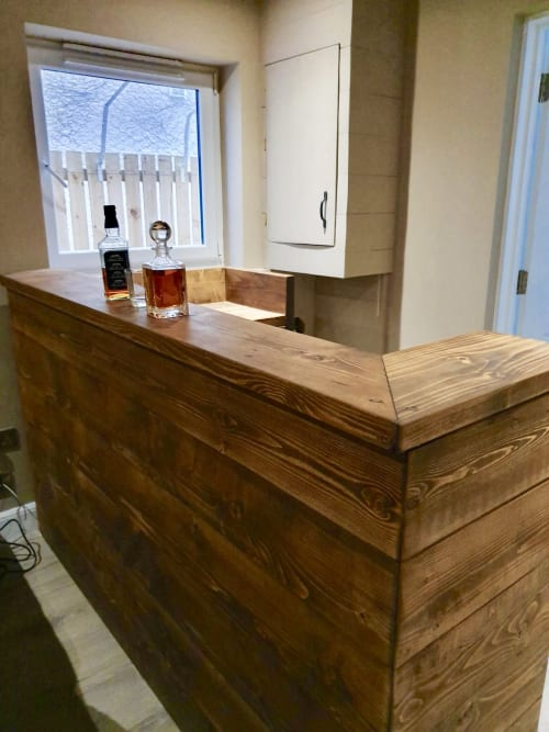 Furniture by New Forest Rustic Furniture seen at Private Residence - Bar