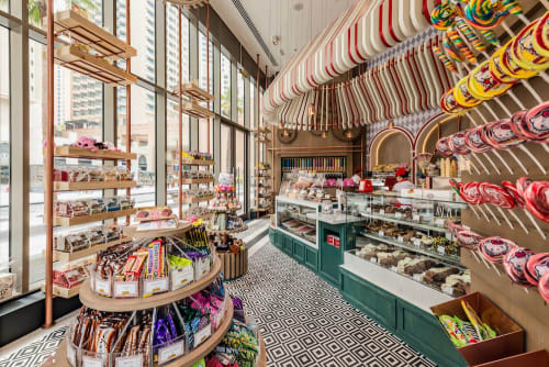 Interior Design by H2R Design seen at Fuzziwigs Candy Factory, Dubai - FUZZYWIGGS – JBR