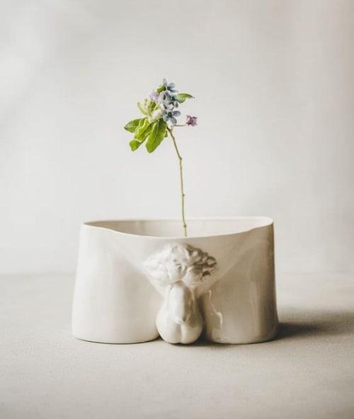 Sculptures by SIND STUDIO seen at Guggenheim Museum Store, New York - DAVID Vase