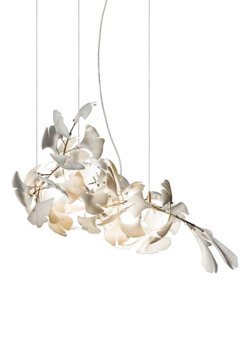 Chandeliers by ANDREEA BRAESCU PORCELAIN AND LIGHT INSTALLTIONS seen at Private Residence, Hamburg - Light sculpture Gingko 78