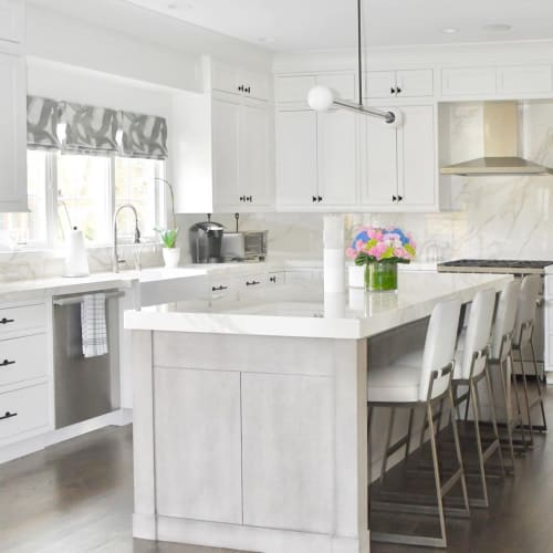 Interior Design by Tara Kantor Interiors seen at Private Residence, Roslyn - Interior Design