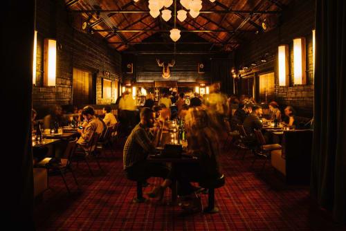 Golden Eagle, Restaurants, Interior Design