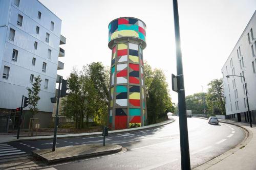 Street Murals by Eltono seen at Rennes, Rennes - Modo n.º24