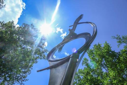 Public Sculptures by Jesse Swickard seen at Bozeman City Hall, Bozeman - Vualo de Aves
