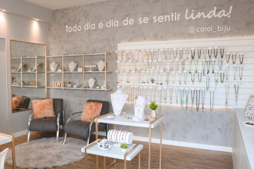 Interior Design by StudioPro Arquitetura seen at Private Residence, Formiga - Showroom's Carol Bijouterias