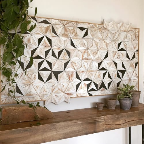 Wall Hangings by Nicole Sweeney seen at Private Residence, San Francisco - Black & White Starburst: Rectangle