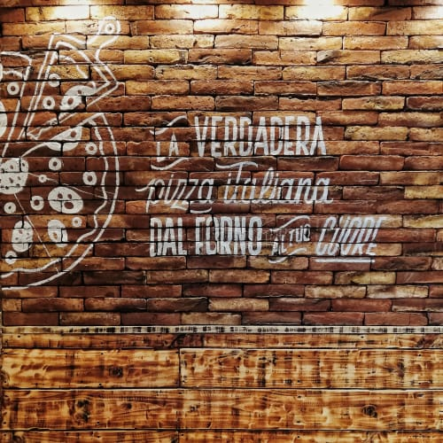 Murals by Belu Mondati seen at Av. Colón 5681, Córdoba - I love italian pizza