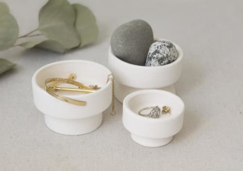 Tableware by Kristina Kotlier - Sparkling White and Gold Pedestal Ring Dish