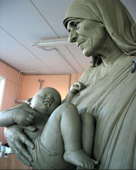 Sculptures by Cicero D'Ávila seen at Pietrasanta, Pietrasanta - Mother Theresa