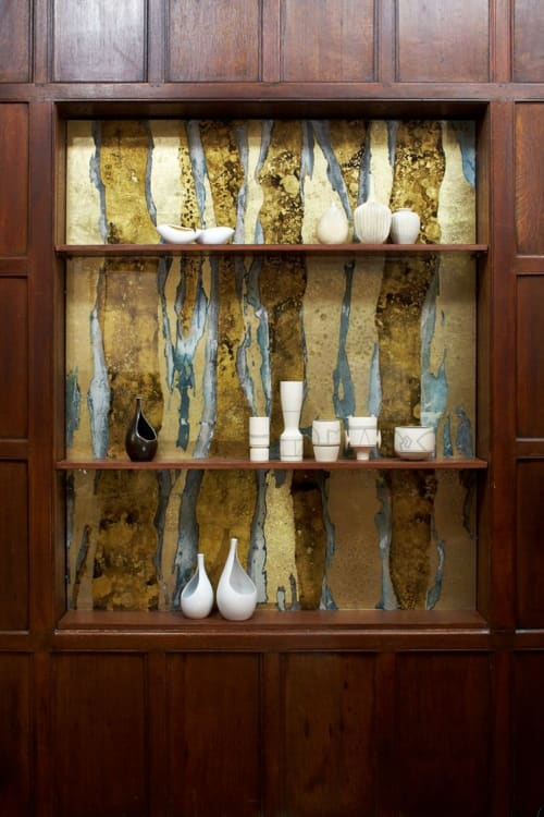 Wall Treatments by Vesna Bricelj seen at Private Residence, New York - Gilded glass art panel (verre eglomise) wall niche