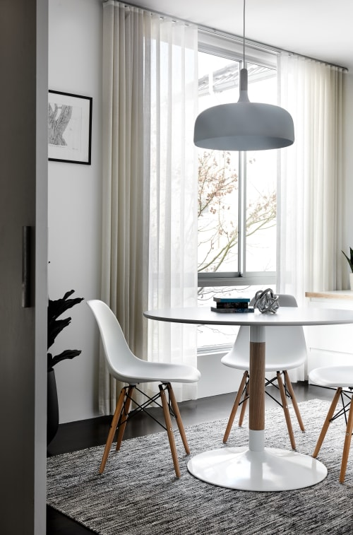 Interior Design by schemes & spaces seen at Queens Park, Queens Park - Home Office