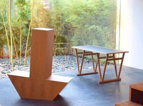 Tables by Mischa van der Wekke Vormmaker seen at Private Residence, Rotterdam - Class-A-leg-desk
