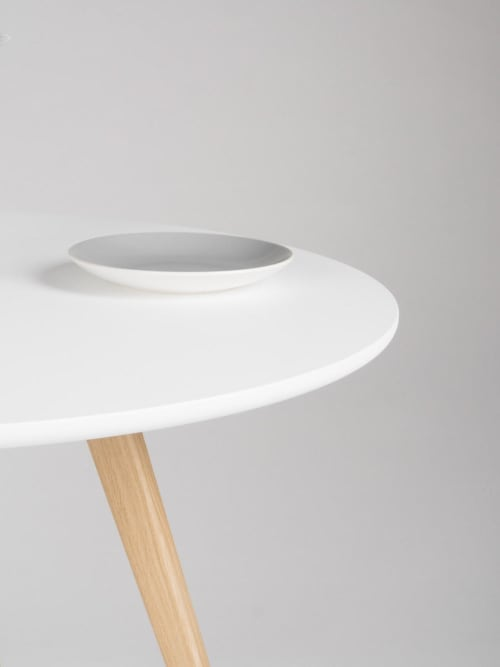 Tables by Mo Woodwork - Round dining table, kitchen white table, with solid oak legs