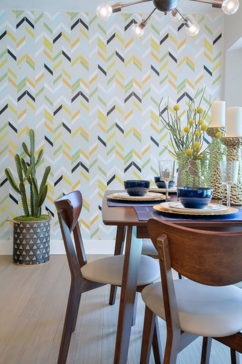 Interior Design by Michelle Thomas Design seen at Private Residence, Austin - HGTV House Hunters Renovation - Austin, TX