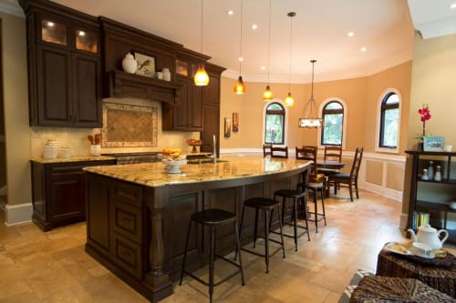 Interior Design by VRA Interiors seen at Private Residence, Atlanta - Helmsley Drive