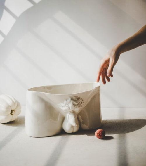 Sculptures by SIND STUDIO seen at Guggenheim Museum Store, New York - David vase by SIND STUDIO