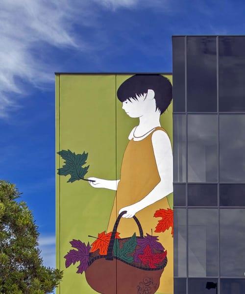 Street Murals by Be Free seen at Oakleigh, Oakleigh - Girl Mural