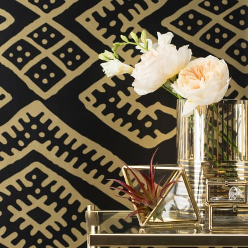 Wallpaper by Relativity Textiles seen at Private Residence, Chicago - Kilim Black