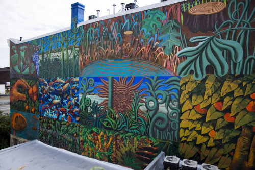 Street Murals by Frank Hyder Studios seen at Private Residence, Philadelphia - Hanging Garden of I-95