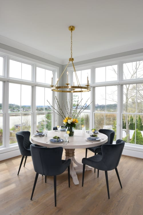 Chandeliers by Currey & Company seen at Private Residence, Cincinnati, Cincinnati - Chandeliers