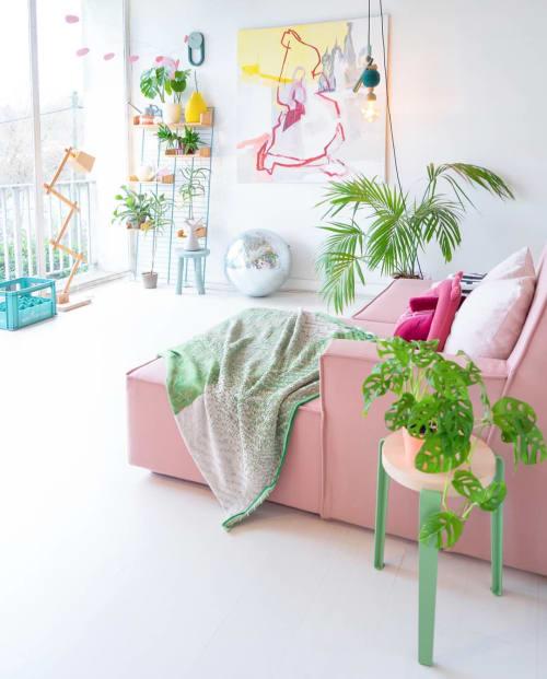 Couches & Sofas by Cubit seen at Judith de Graaff's Home, Nogent-sur-Oise - Pink Cubit Sofa