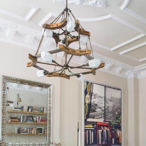 Chandeliers by New York Vintage Lighting seen at Private Residence, Brooklyn - Wood Taj