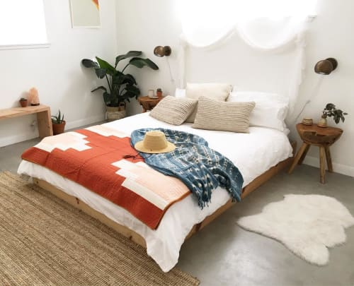 Linens & Bedding by Vacilando Quilting Co. seen at Casa Joshua Tree, Joshua Tree - Angel's Landing Quilt