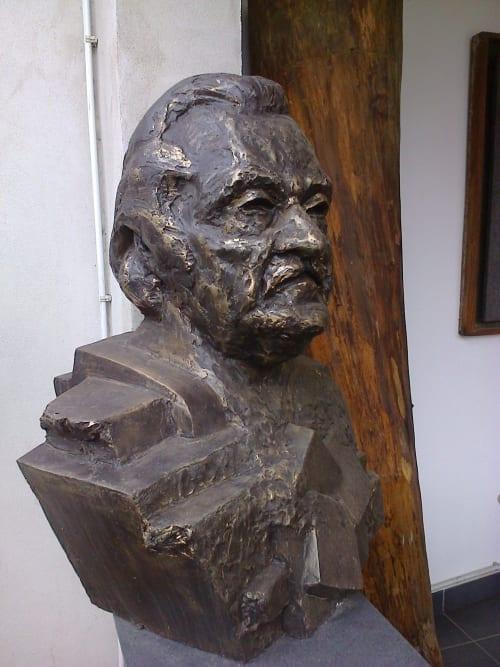 Public Sculptures by Linda-Saskia Menczel seen at Foundation Interart Triade, Timișoara - Bust of Peter Jecza