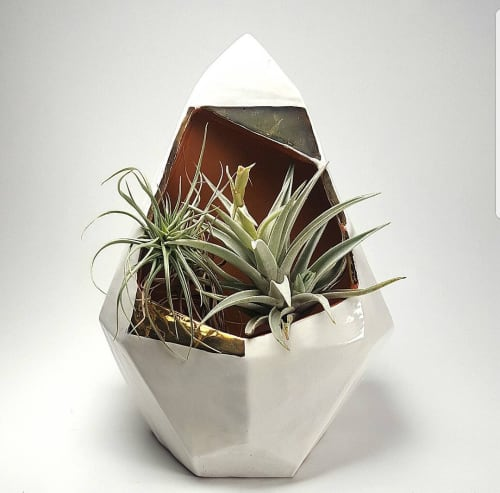 Sculptures by Heather Cornelius Ceramics at Private Residence, Tacoma - Ggeometric wall hanging planter