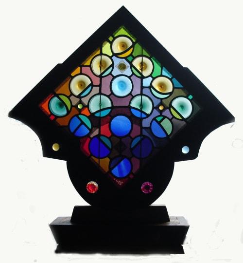 Chromatomic Pedestal Sculpture | Lighting by Warren Simmons