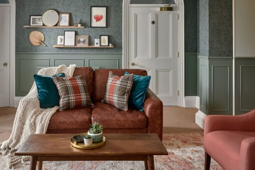 Interior Design by HW Home Designs seen at Farnham, Farnham - Waverley Abbey House Lounge