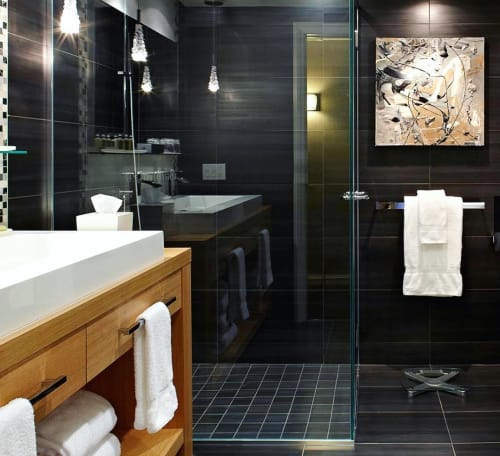 Paintings by Galerie LISABEL seen at InterContinental Montreal, Montréal - Shower Art
