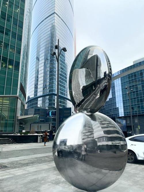 Public Sculptures by Wenqin CHEN seen at Presnenskaya Naberezhnaya, 10 строение 2, Moskva - Be In Here IV