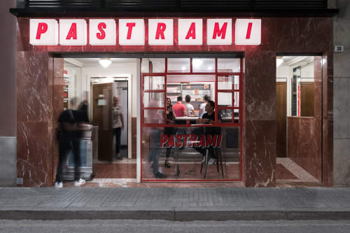 Interior Design by Paco Lago Interioriza seen at Cabaret Music Club, Málaga - Pastrami Club
