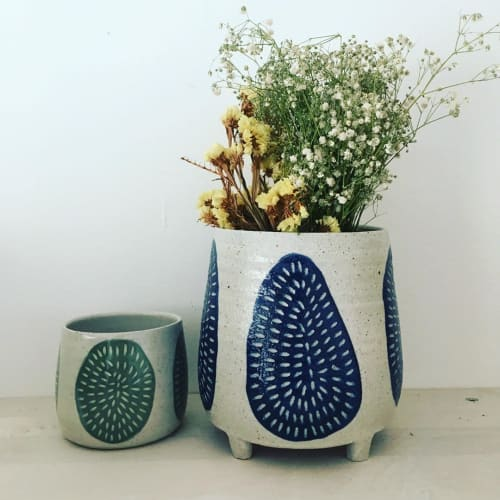 Tableware by Anna Bowie Ceramics seen at Private Residence, Newcastle - Sgraffito ceramics