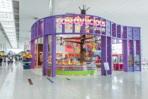 Interior Design by H2R Design seen at Candylicious Dubai Terminal 3, Dubai - CANDYLICIOUS – DUBAI AIRPORT