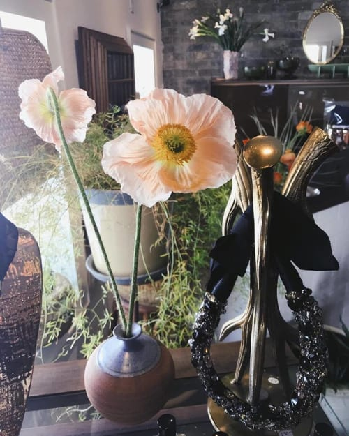 Floral Arrangements by SWEVEN seen at Orange and Blue Co., Milwaukee - Flower Arrangement