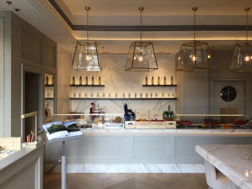 Chandeliers by OfficinaCiani di caterina Ciani & Co. S.A.S. seen at Il Borro Tuscan Bistro Dubai, Dubai - Brass lantern