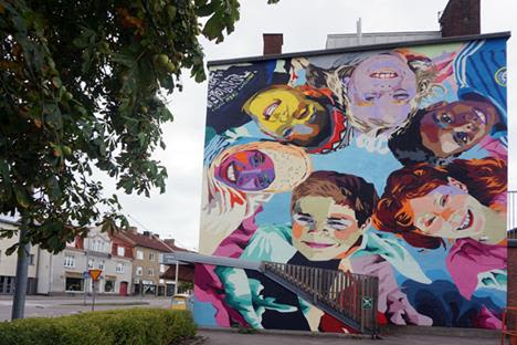 Street Murals by Ruskig Ångest seen at Nybro Municipality, Norra Nybro - Like Children