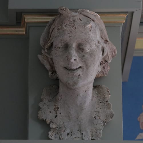 Sculptures by Jonathan Rachman Design seen at SF Decorator Showcase 2019, San Francisco - Female Plaster Head
