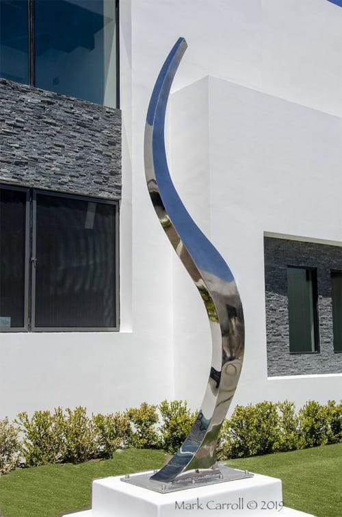 Sculptures by The Sculpture Studio LLC seen at Private Residence, Henderson - Ascent