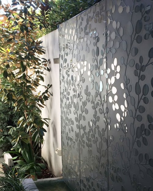 Wall Treatments by Axolotl seen at Private Residence, Sydney - HALO glass